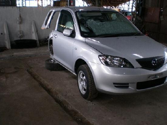 Mazda demio1  продажа половинки из японии с автоаукионов на запчасти