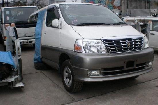 Toyota grand hiace  продажа половинки из японии с автоаукионов на запчасти