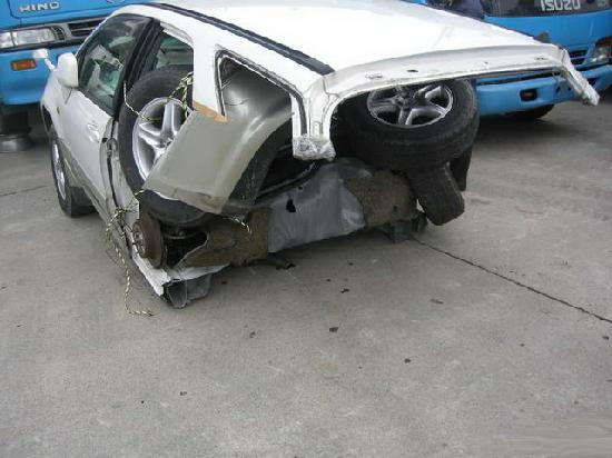 Toyota harrier3  продажа половинки из японии с автоаукионов на запчасти