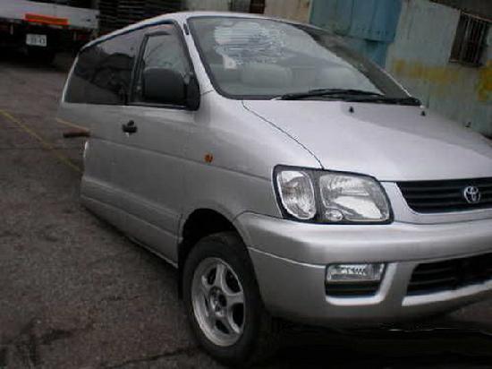 Toyota noah продажа половинки из японии с автоаукионов на запчасти